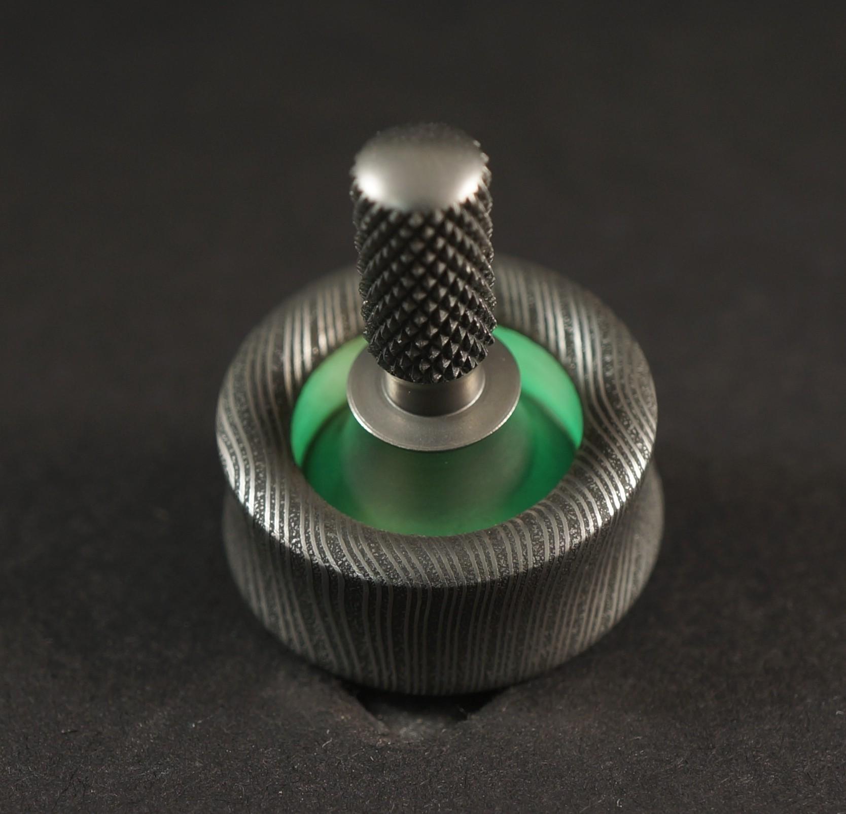 "#1357.85""Vegas Forge Twist, Green TurboGlow & titanium picture 2"